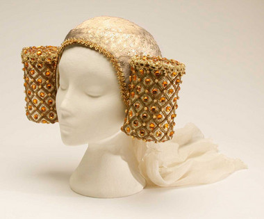 Medieval Woman's Head-dress